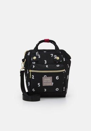 SOU SOU SHOULDER BAG - Across body bag - black
