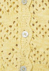Monki - MIKKI - Cardigan - yellow dusty light - 5