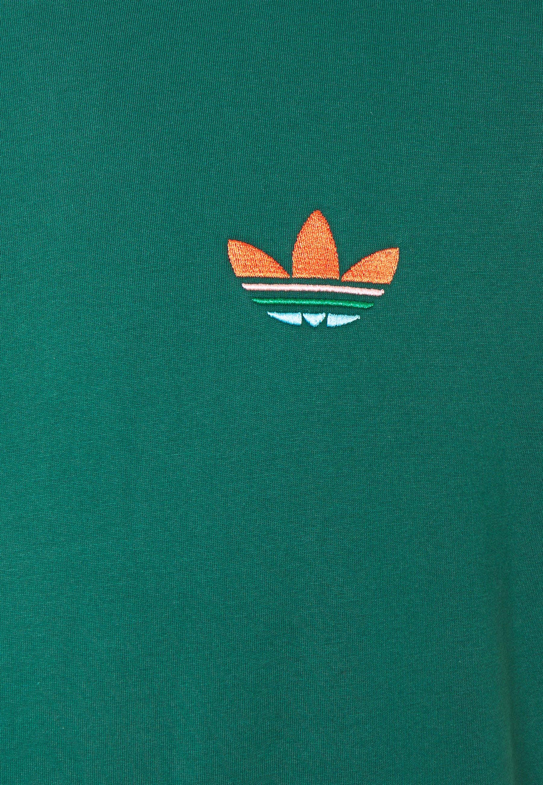 adidas Originals MULTI TEE - Print T-shirt - collegiate green tsCLg