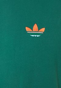 adidas Originals - MULTI TEE - T-shirts print - collegiate green - 2