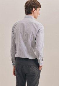 Seidensticker - BUSINESS SLIM - Shirt - schwarz - 1