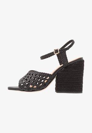 VERANE - Korolliset sandaalit - black