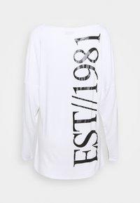 Guess - KAROLINA - T-shirt à manches longues - true white - 6