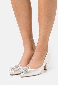 Dune London - BLISSE - Classic heels - ivory - 0