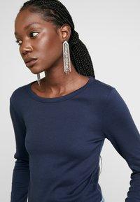 GAP - CREW - Long sleeved top - true indigo - 4