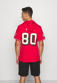Mitchell & Ness - SAN FRANCISO JERRY RICE HOODED SHORT SLEEVE - Sweat à capuche - red