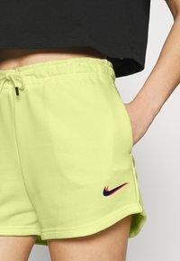 Nike Sportswear - Shorts - zitron - 3
