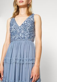 Lace & Beads - MARYAM MIDI - Cocktail dress / Party dress - dusty blue - 6