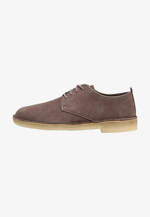DESERT LONDON - Chaussures à lacets - mushroom brown