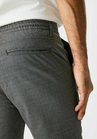 C&A - Trousers - black / grey - 3