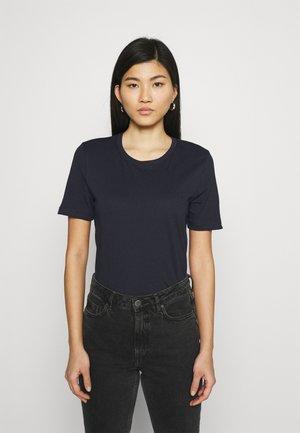 REGULAR TEE - Basic T-shirt - desert sky