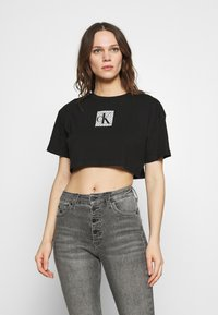 Calvin Klein Jeans - HOLOGRAM LOGO - Triko spotiskem - black - 0