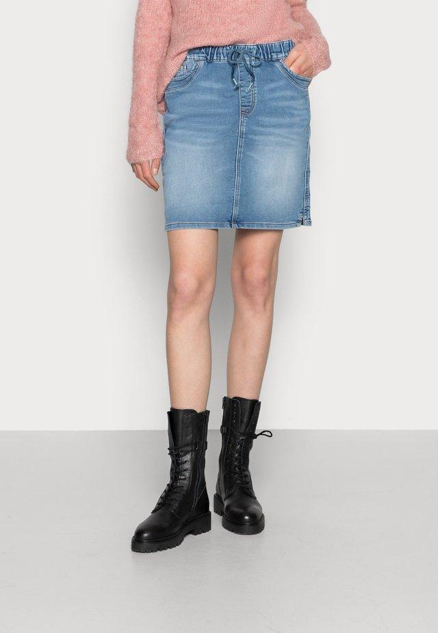 Gonna di jeans - blue light wash