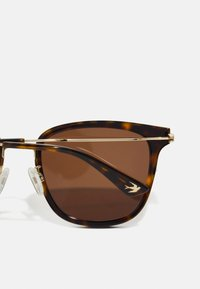 McQ Alexander McQueen - Lunettes de soleil - havana/gold-coloured/brown - 2