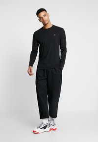 Levi's® - ORIGINAL TEE - Long sleeved top - black - 1