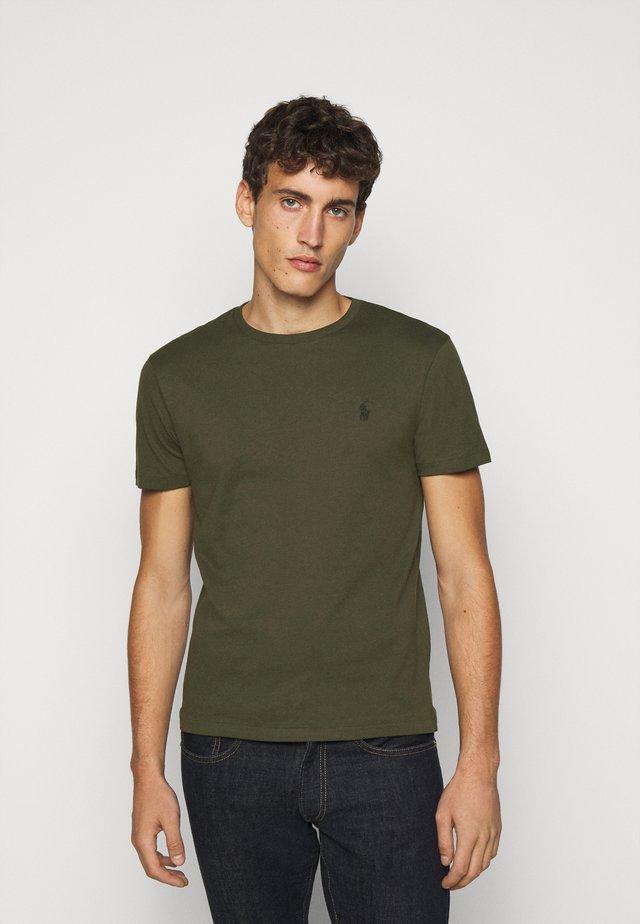 Jednoduché triko - company olive