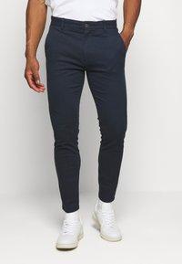 Burton Menswear London - Pantalones chinos - navy - 0