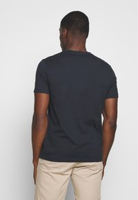 Marc O'Polo - SHORT SLEEVE ROUND NECK - Print T-shirt - total eclipse - 2