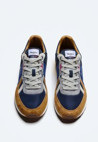 Pepe Jeans - TINKER - Sneakers - cognac - 1