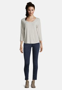 Betty & Co - Long sleeved top - nature melange - 1