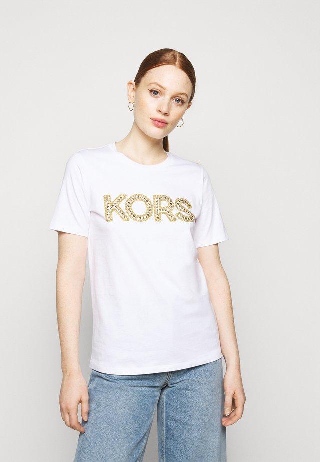 STUDDED CLASSIC TEE - T-shirt imprimé - white