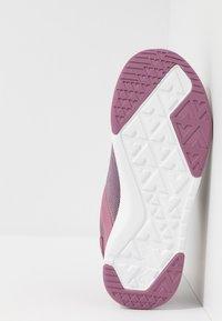 Viking - SEIM BOA GTX - Løbesko walking - dark pink/violet - 5