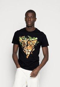 Pier One - Print T-shirt - black - 0