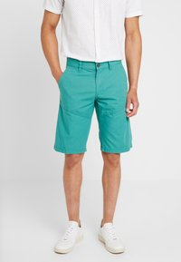 s.Oliver - RELAXED - Shorts - turmalin - 0