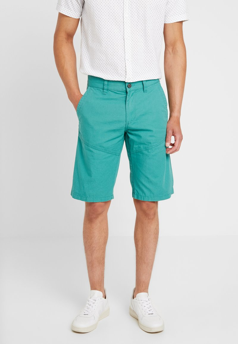 s.Oliver - RELAXED - Shorts - turmalin