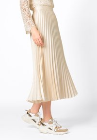 HALLHUBER - Pleated skirt - creme - 2