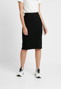 Selected Femme - SLFSHELLY PENCIL SKIRT - Pouzdrová sukně - black - 0