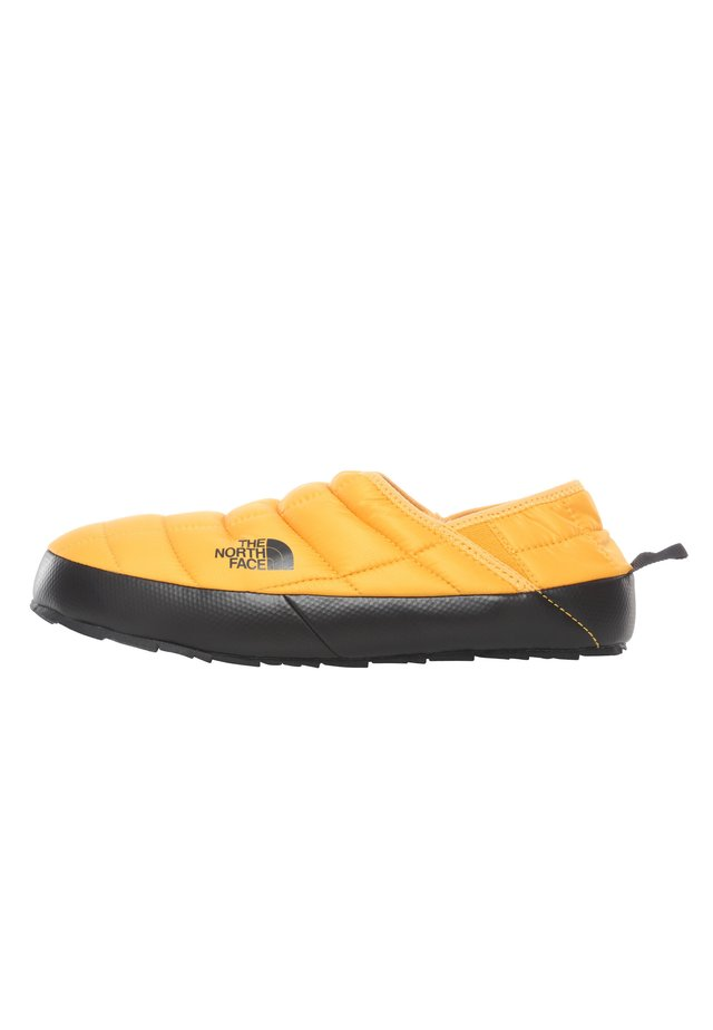 M THERMOBALL TRACTION MULE V - Obuwie treningowe - summit gold/tnf black