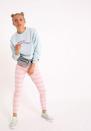 CROPPED MIT SCHRIFTZUG - Sweatshirt - himmelblau