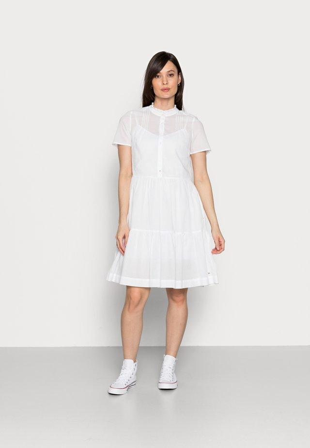 VOILE KNEE DRESS - Košilové šaty - white