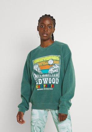 REDWOOD CALI CREW - Sweatshirt - green