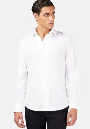 REGULAR FIT  - Overhemd - white