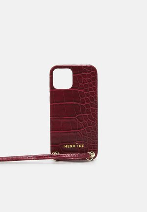 YUNA IPHONE 12 HANDYKETTE NECKLACE - Phone case - croco bordeaux