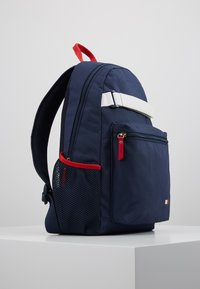 Tommy Hilfiger - KIDS FLAG BACKPACK - Mochila - blue - 4