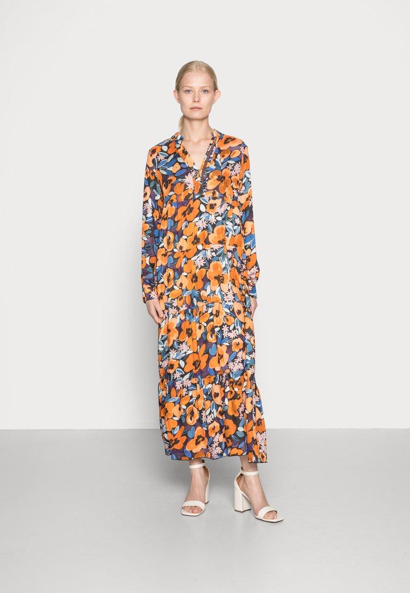 Emily van den Bergh - Day dress - black orange