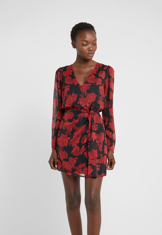 ROBE COURTE - Juhlamekko - red/black