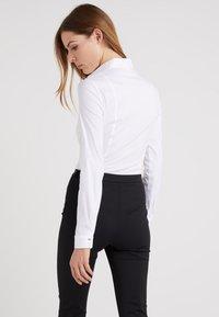 Patrizia Pepe - Button-down blouse - bianco - 2