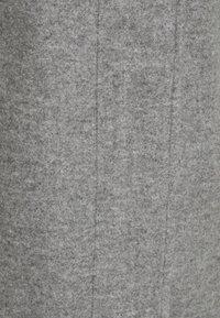 Vero Moda Petite - VMDAFNEDORA JACKET - Klassisk kåpe / frakk - light grey - 2