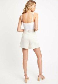 Kookai - Shorts - ab-beige - 2