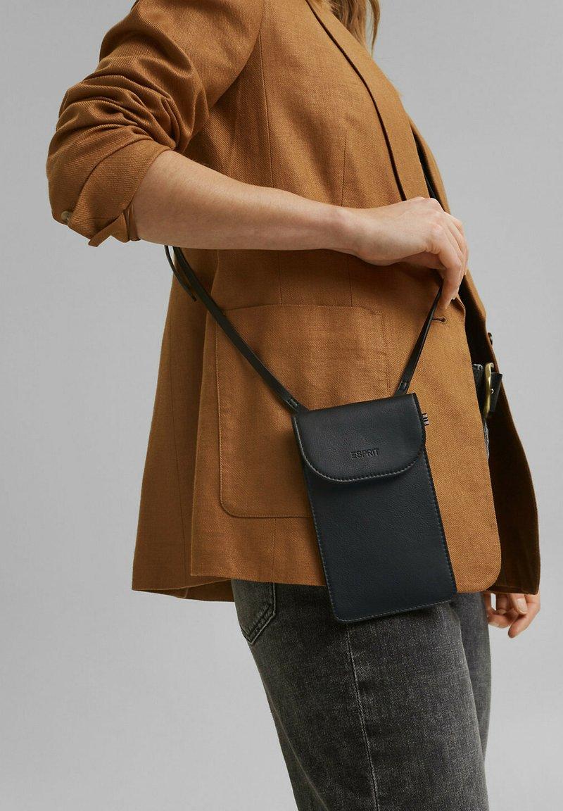 Esprit - Phone case - black