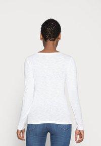 Marc O'Polo - LONGSLEEVE - Long sleeved top - white - 2