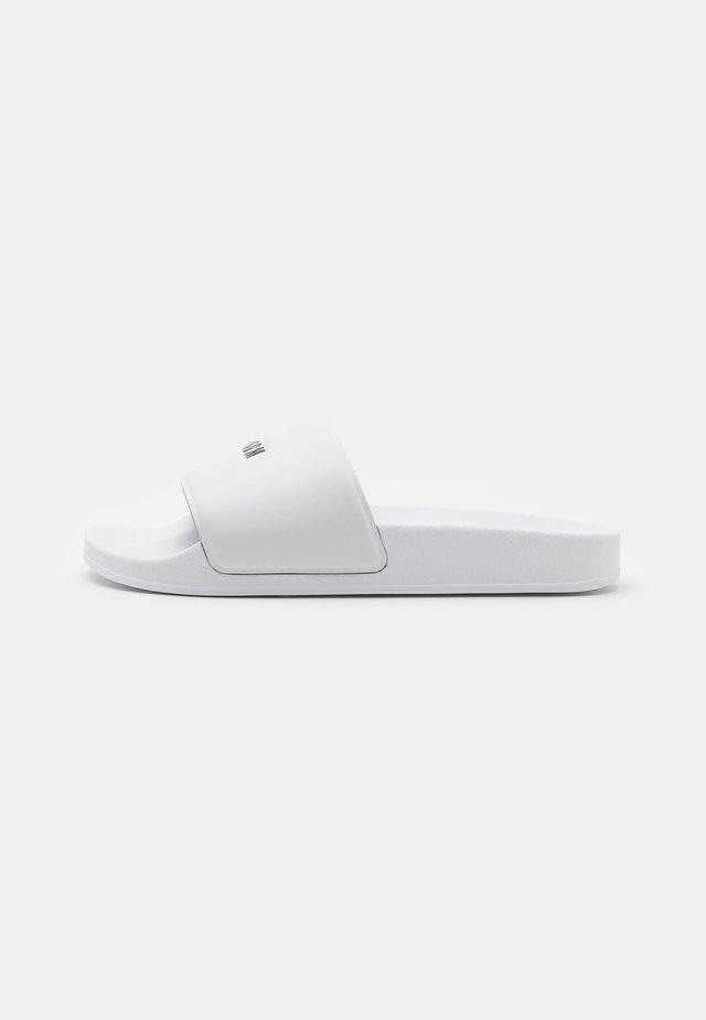 MICRO LOGO POOL SLIDE - Mules - white