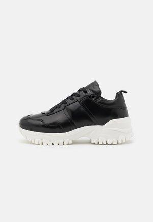 AFRIA  - Sneakers laag - black