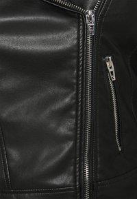 Zizzi - MMERLE JACKET - Chaqueta de cuero sintético - black - 7