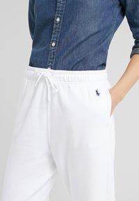 Polo Ralph Lauren - SEASONAL  - Träningsbyxor - white - 4