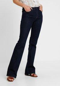 GAP - BOOT - Jeans Bootcut - dark rinse - 0